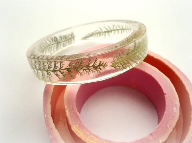 Прозрачные браслеты из эпоксидной смолы
