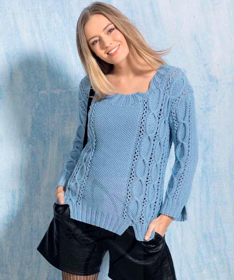 Голубой пуловер с раздельными планками