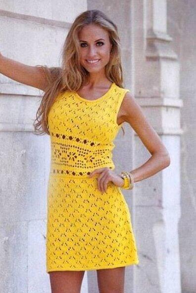 Летнее желтое платье крючком и спицами