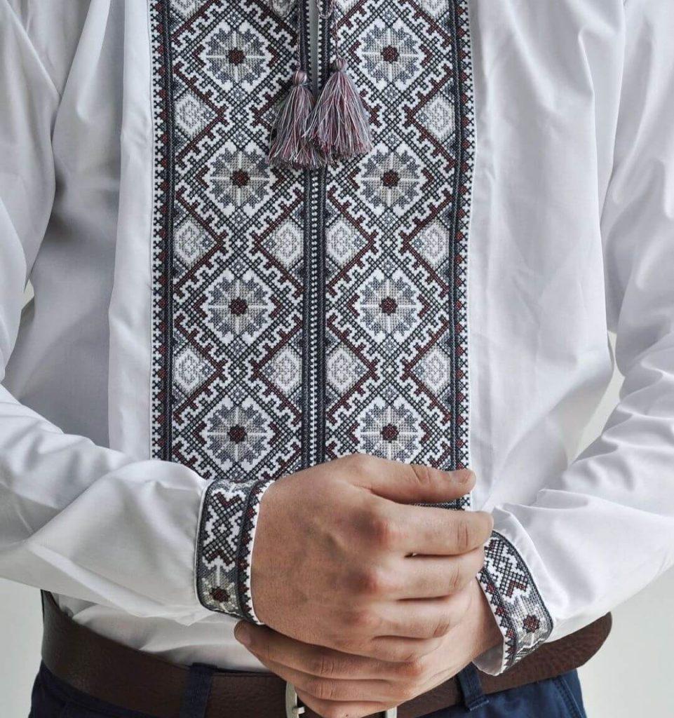 Мужская сорочка вышитая крестом
