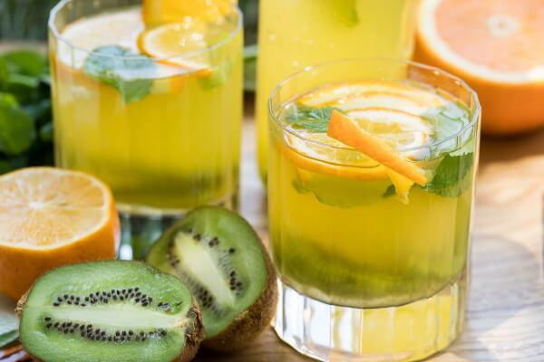 Напиток из киви и апельсина