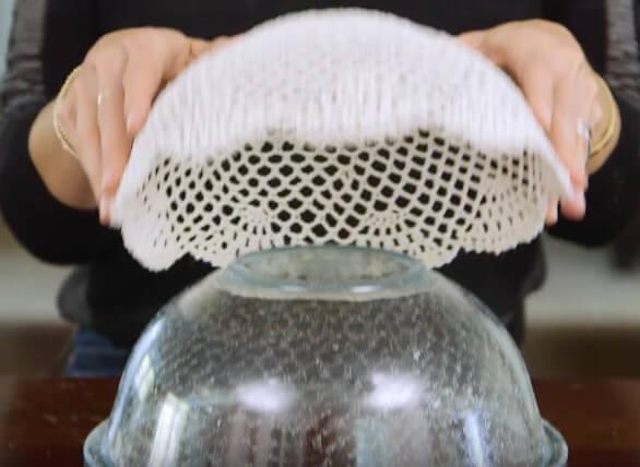 Ажурная ваза из салфетки