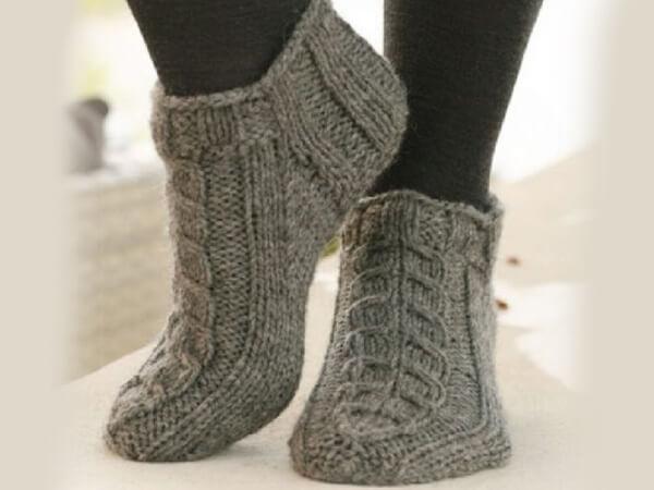 Домашние тапочки-носки спицами