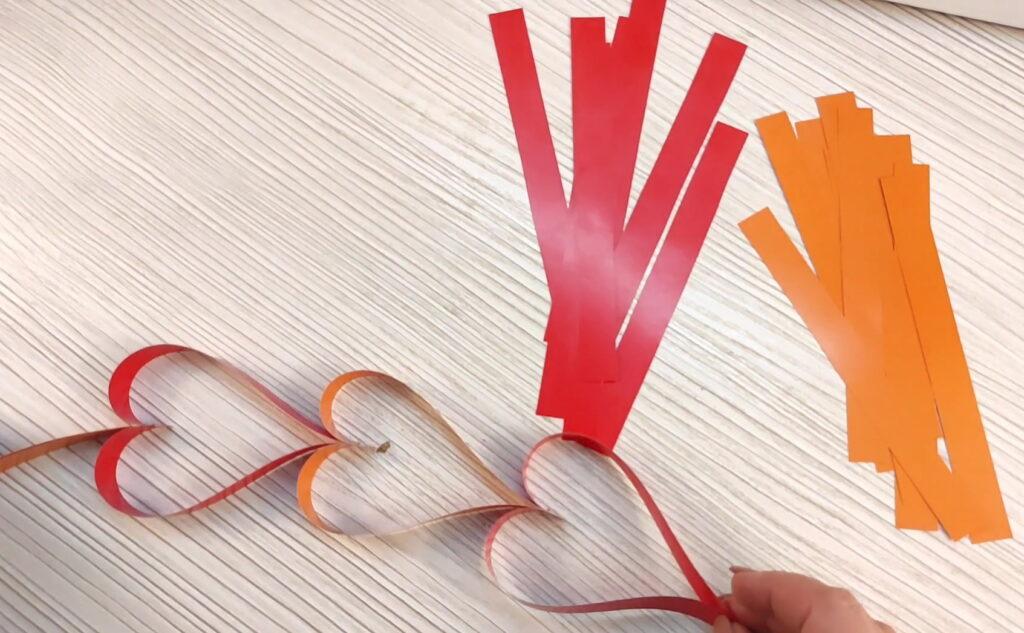 Сердечки - гирлянда из бумаги