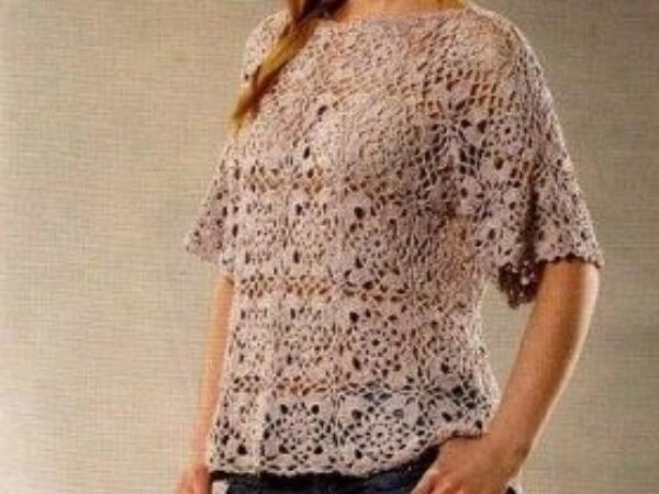 Летняя блуза крючком из квадратных мотивов