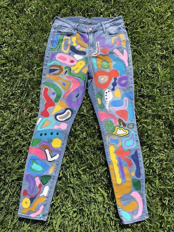 роспись акрилом на джинсе