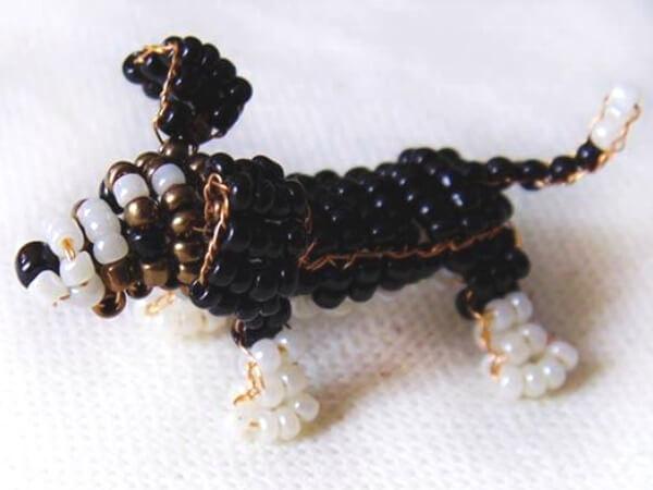 пятнистая собака из бисера