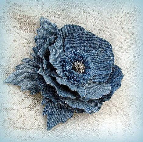 цветы из джинсовой ткани