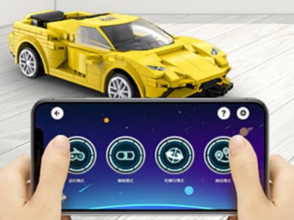 Модель спортивного автомобиля с дистанционным управлением