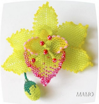 Орхидея из бисера мозаичным плетением мастер класс
