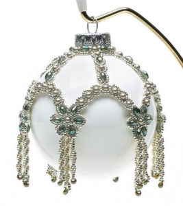 beaded-christmas-ornament-covers-1