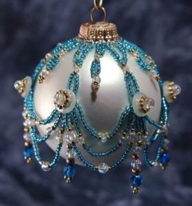 beaded-christmas-ornament-covers-10