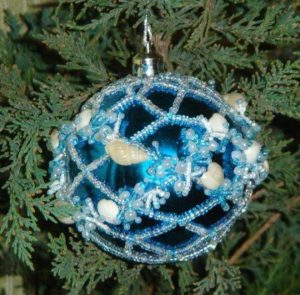 beaded-christmas-ornament-covers-12