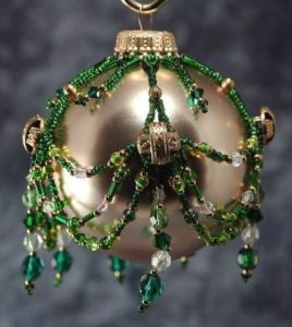 beaded-christmas-ornament-covers-20