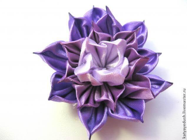 Цветок в технике канзаши (мастер-класс)