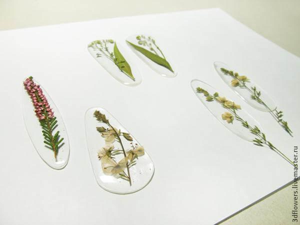 Украшения из сухоцветов и эпоксидной смолы